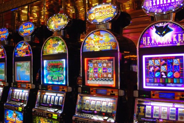 How Casinos Use Math To Make Money When You Play The Slot