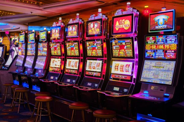 8 Proven Tips to Help You Win at Slot Machines in 2020